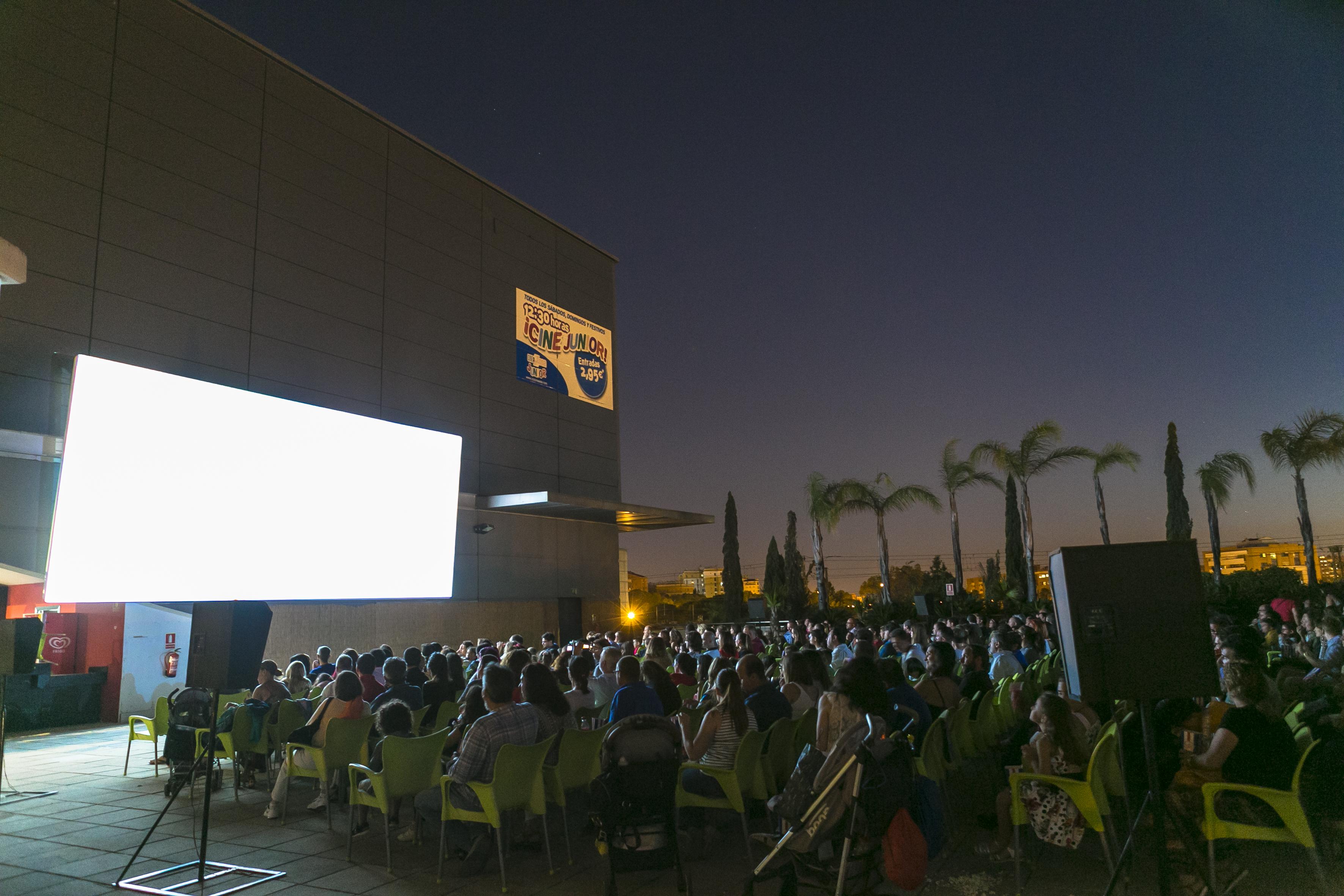 Zona Este-cine verano 19-429